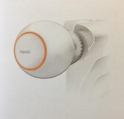Une tête thermostat Fibaro pour radiateur